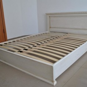 Почему кровать из массива сосны - лучший выбор при покупке